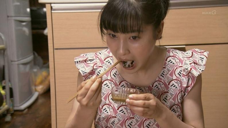 【擬似フェラキャプ画像】女子アナやアイドルって食レポの時にわざとこんなエロい顔してるのか?ww 23