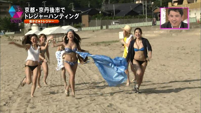 【水着キャプ画像】素人から女子アナやアイドルまでテレビでエロい水着でオッパイ強調しまくりンゴww 08