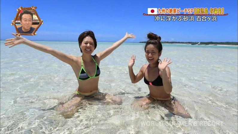 【水着キャプ画像】素人から女子アナやアイドルまでテレビでエロい水着でオッパイ強調しまくりンゴww 17
