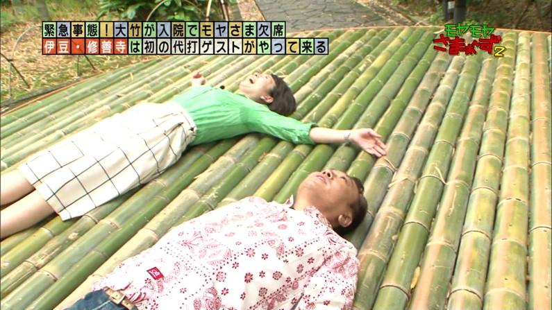【脇汗キャプ画像】こぉ暑いと、大量に脇汗かいちゃいますもんねwテレビに汗染みがばっちり映っちゃってますww 07