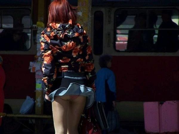 【パンチラ画像】風でパンツが見えた時の一瞬の喜びが計り知れないww 06