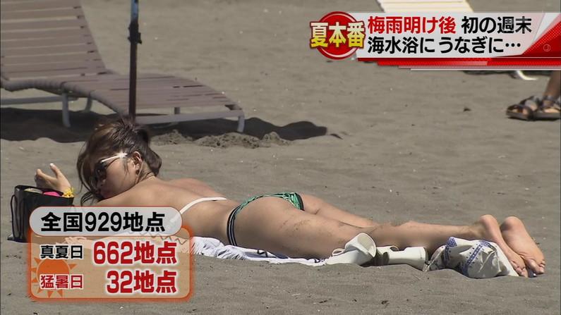 【お尻キャプ画像】テレビで水着が食い込み尻肉はみ出まくりなエロいお尻ww 19