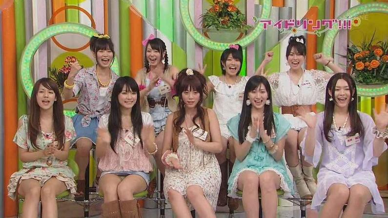 【パンチラ放送事故画像】女子アナやアイドルの見えてはいけない領域が見えた瞬間!! 09