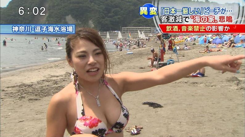 【水着キャプ画像】テレビでインタビューされた水着ギャル達のオッパイがシコシコすぎるwww 09