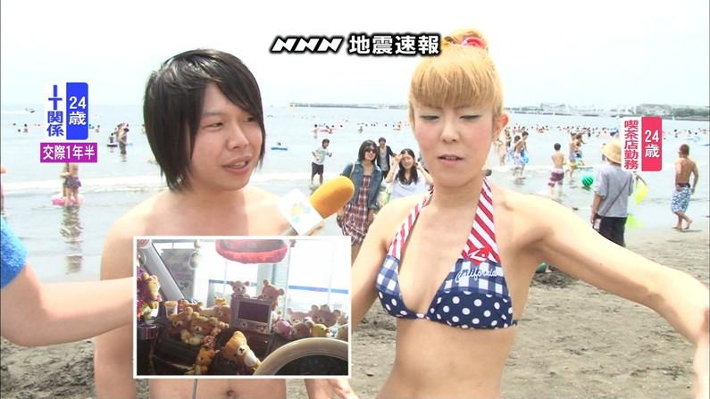【水着キャプ画像】テレビでインタビューされた水着ギャル達のオッパイがシコシコすぎるwww 19