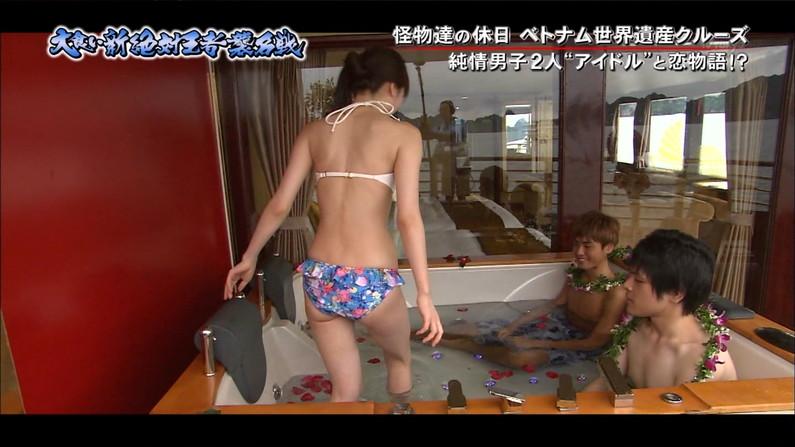 【お尻キャプ画像】テレビに映った水着美女達のハミ尻がエロくてたまらない件ww 24