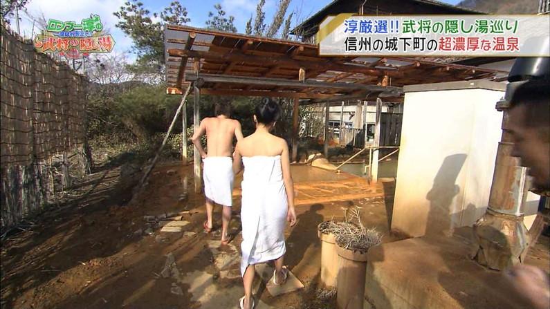 【温泉キャプ画像】バスタオル一枚でテレビに出ちゃうタレント達の身体のシルエットがエロすぎww 07