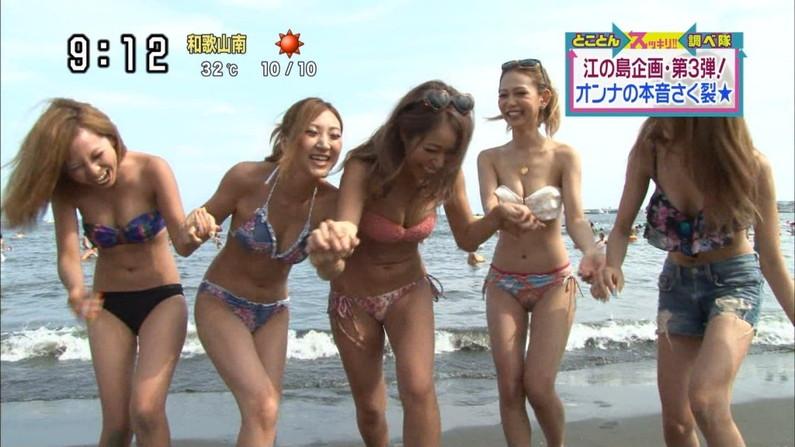 【水着キャプ画像】素人からアイドルまでポロリ寸前の巨乳水着美女達がテレビで視姦し放題ww 19