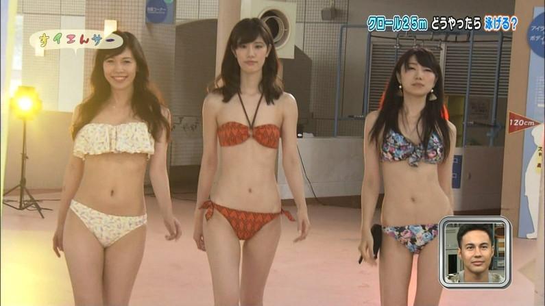 【水着キャプ画像】夏は美女のオッパイアピール期間wエロいオッパイ思う存分テレビでアピールww