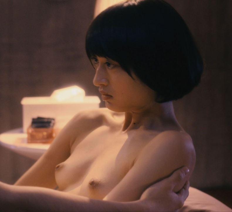 【濡れ場キャプ画像】あの大物女優も過去には乳首さらけ出してアヘ顔全開で濡れ場を演じてたとわ!! 18