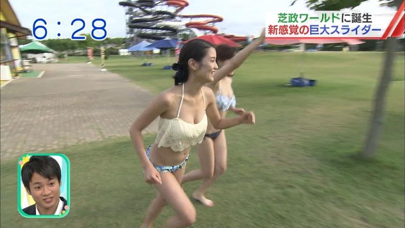 【水着キャプ画像】テレビでたわわなオッパイが水着からこぼれそうになってる巨乳娘達www 07