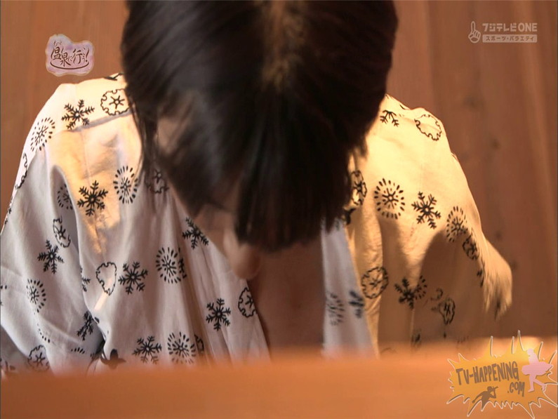 【お宝エロ画像】人気温泉番組もっと温泉に行こうで美女の生尻が見放題ww際どいシーンがタマランw 18