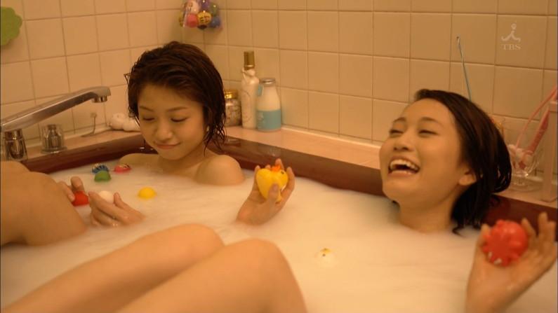 【温泉キャプ画像】テレビでオッパイ半分さらけ出した美女達の入浴姿を見てやってくれwww 12