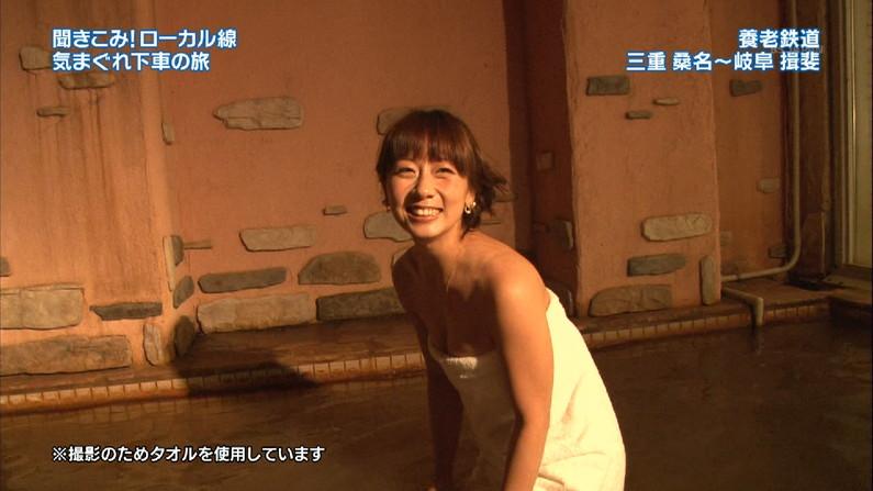 【温泉キャプ画像】温泉レポートで半乳晒してる女達って露出癖があるのか?ww 10