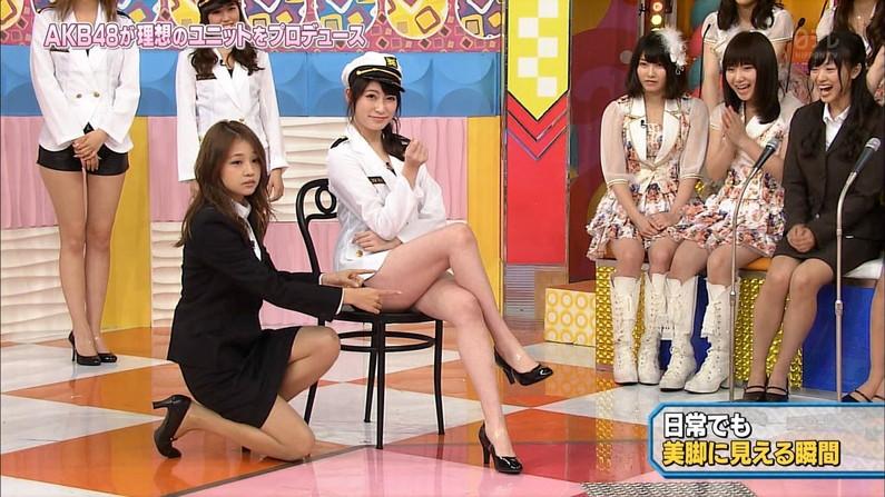 【太ももキャプ画像】私の綺麗な脚をもっと撮ってと言わんばかりに美脚を見せつけるタレント達ww 09