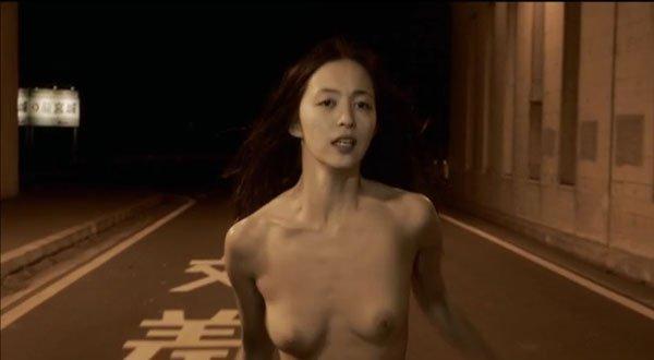 【濡れ場キャプ画像】濡れ場を演じてる女優さんがガチで感じちゃって乳首ピンコ立ちしちゃってるぞww 04