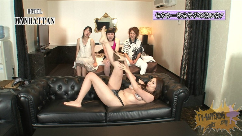 【お宝キャプ画像】ケンコバのバコバコTVでアナル見えそうな透け透け下着の美女が登場ww 07