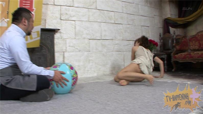 【お宝キャプ画像】ケンコバのバコバコTVでアナル見えそうな透け透け下着の美女が登場ww 56