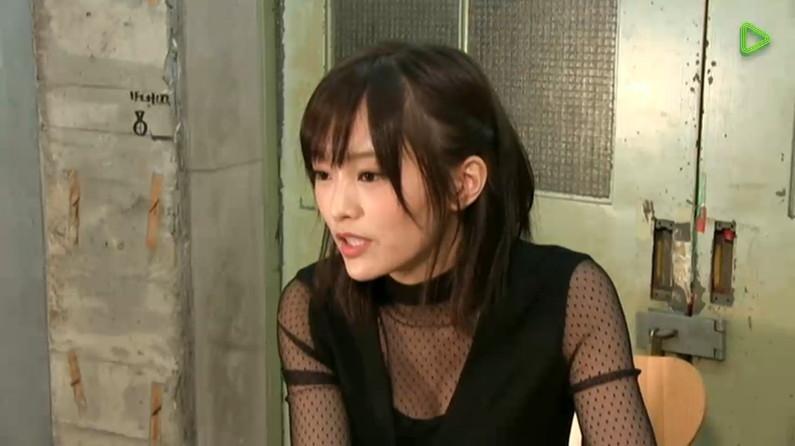 【胸ちらキャプ画像】最近のテレビではオッパイは見せる物だと考えてるタレント達ww 19