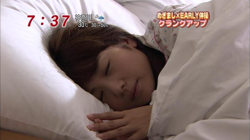 【寝顔キャプ画像】こんな可愛い寝顔した美女が隣にで寝てくれてたら癒されるだろうなぁw 02