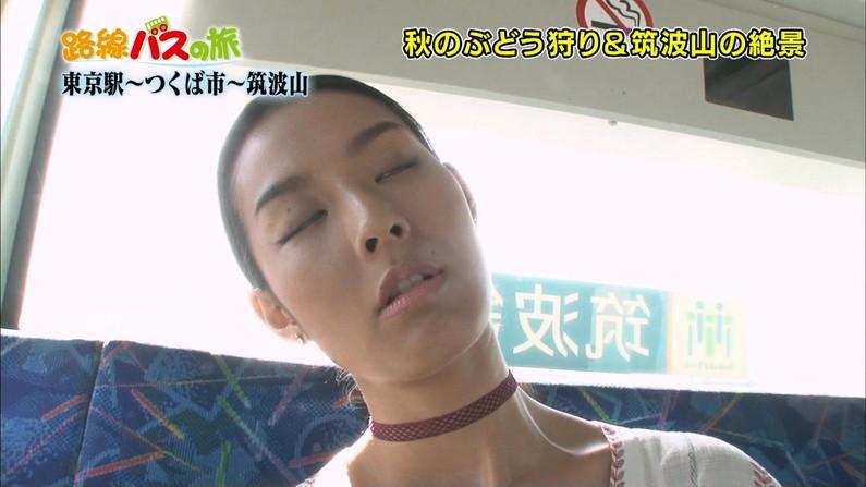 【寝顔キャプ画像】こんな可愛い寝顔した美女が隣にで寝てくれてたら癒されるだろうなぁw 22