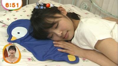 【寝顔キャプ画像】こんな可愛い寝顔した美女が隣にで寝てくれてたら癒されるだろうなぁw 23