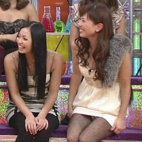【放送事故画像】パンツ見てほしいらしく、テレビにまでパンツを晒す女達ww 07