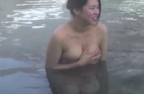 【放送事故画像】入浴シーンに映る美女達と俺も一緒にお風呂に入りたいww 01