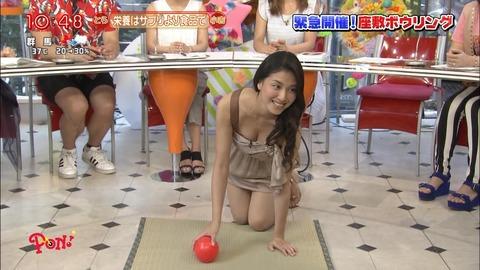 【放送事故画像】テレビで映った巨乳がエロすぎて思わずパンツ脱いだww 09