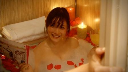 【放送事故画像】入浴シーンって一歩間違えたらマン毛まで見えそうになるよなwww 09