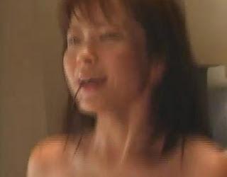 【芸能エロ画像】三浦理恵子!あの特命係長の濡れ場など過激画像が満載www 04