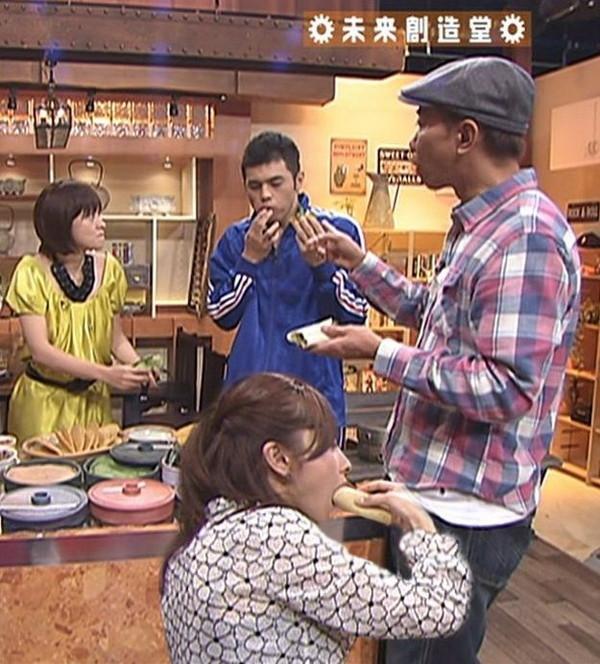 【放送事故画像】テレビでそんな顔して食べられたら食べ物がチンコにしか見えないwww 19