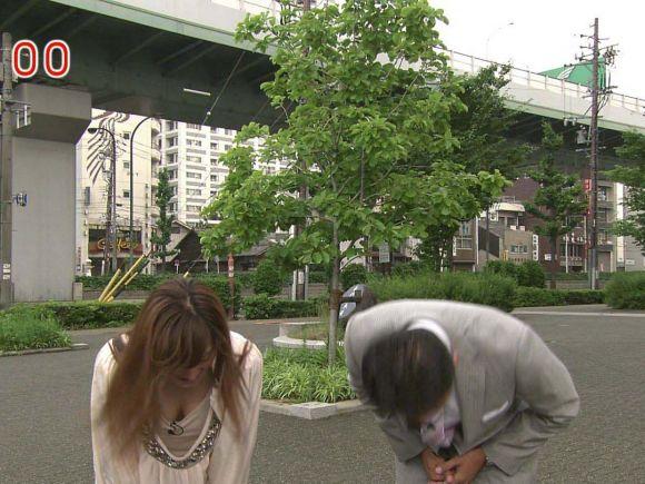 【放送事故画像】テレビで映るオッパイをムギュってしたくなる画像www 19