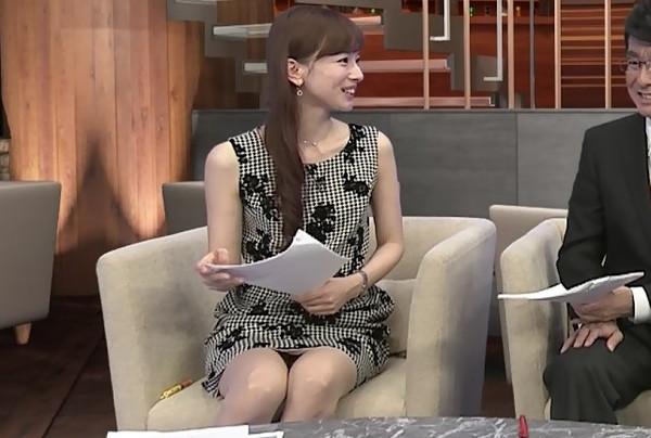 【放送事故画像】テレビでパンツが見えそうで見えない、こんな焦らされるの皆好きだろ?ww 11