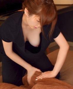 【ポロリ画像】素人オッパイチラ?いや違うこれは乳首ポロリ画像だwww 11