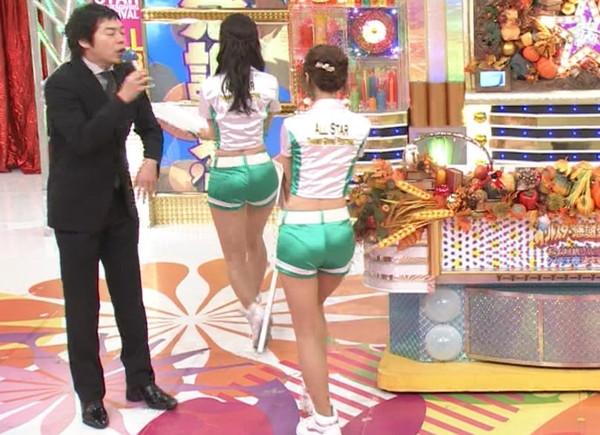 【放送事故画像】テレビで尻ばっか突き出しやがって!浣腸するぞwww 11