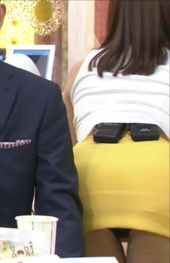 【放送事故画像】カメラさん股間にズームお願いします!パンチラしてますww