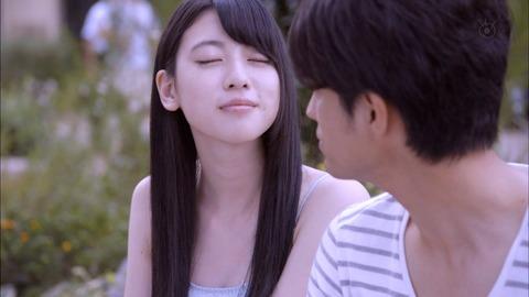 【放送事故画像】テレビに映ったキスシーンやキス顔って妙に興奮するww 10