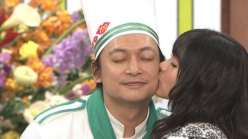【放送事故画像】テレビに映ったキスシーンやキス顔って妙に興奮するww 11