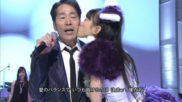 【放送事故画像】テレビに映ったキスシーンやキス顔って妙に興奮するww 14
