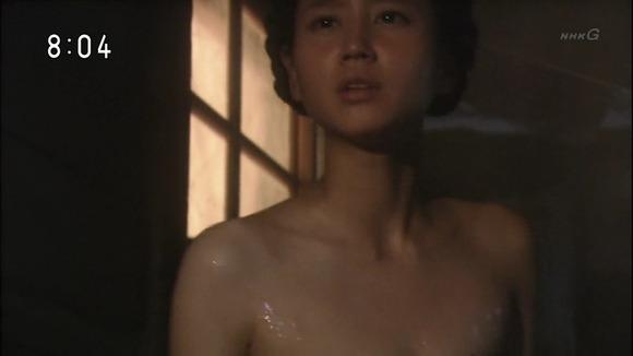【放送事故画像】温かお風呂に大きなオッパイw是非混浴してみたいww 16