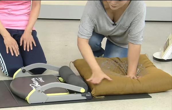 【放送事故画像】素人もアイドルもオッパイでかけりゃテレビに映れるってか?www 14