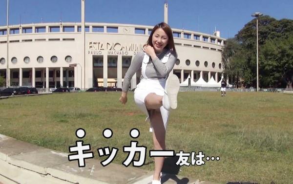 【放送事故画像】視聴率取るならパンツくらい見えてもお構いないの女達www 11