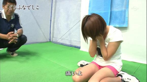 【放送事故画像】綺麗な足してるんだけど太ももはムチムチってエロくない?ww 16