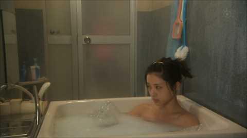 【放送事故画像】入浴シーンに映るオッパイやお尻ってエロさ際立ってやばいよなwww 02