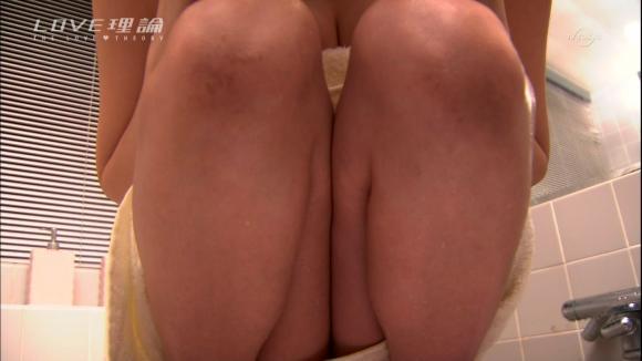 【放送事故画像】入浴シーンに映るオッパイやお尻ってエロさ際立ってやばいよなwww 12