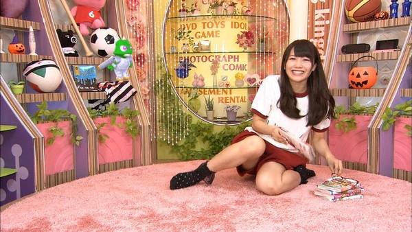 【放送事故画像】パンツちらつかせながらテレビに映るって痴女なの?www 18