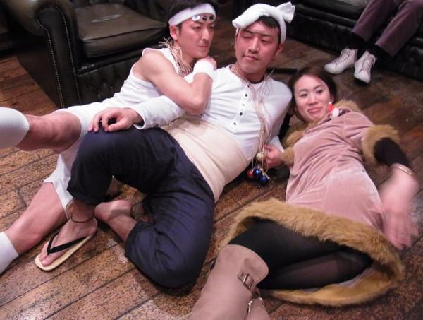 【放送事故画像】パンツちらつかせながらテレビに映るって痴女なの?www 24