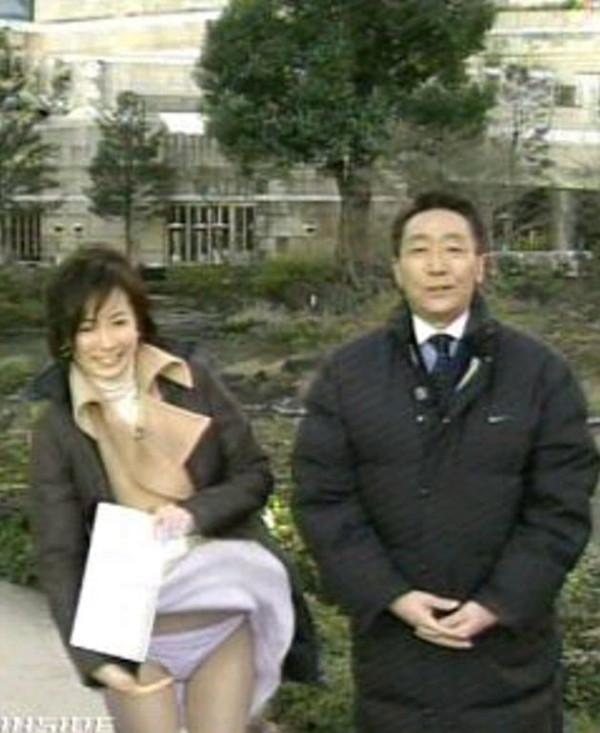 【放送事故画像】女子アナのパンチラや胸ちら総集編wエロすぎですwww 10