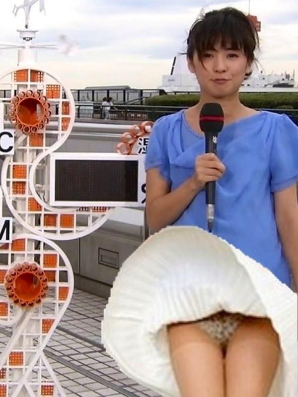 【放送事故画像】女子アナのパンチラや胸ちら総集編wエロすぎですwww 14